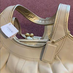 💗Beautiful & Brand new Coach bag!💗